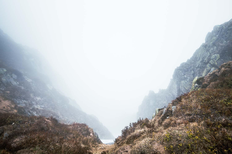 Schneegruben im Nebel - Riesengebirge