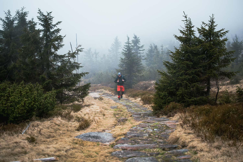 Wanderer Wanderkollektiv Person im Nebel